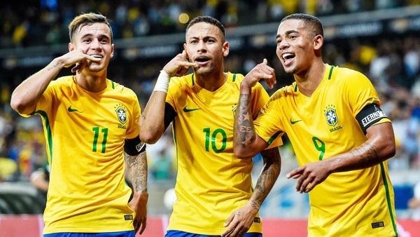 """""""مفاجأة"""" في تشكيل البرازيل لمواجهة سويسرا بالمونديال"""