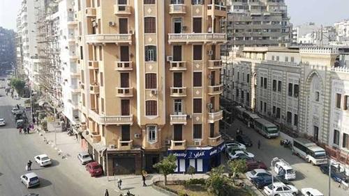 """15 شركة تتقدم بمناقصة لتطوير فندق """"كوزموبولبتان"""" التاريخى بوسط البلد"""