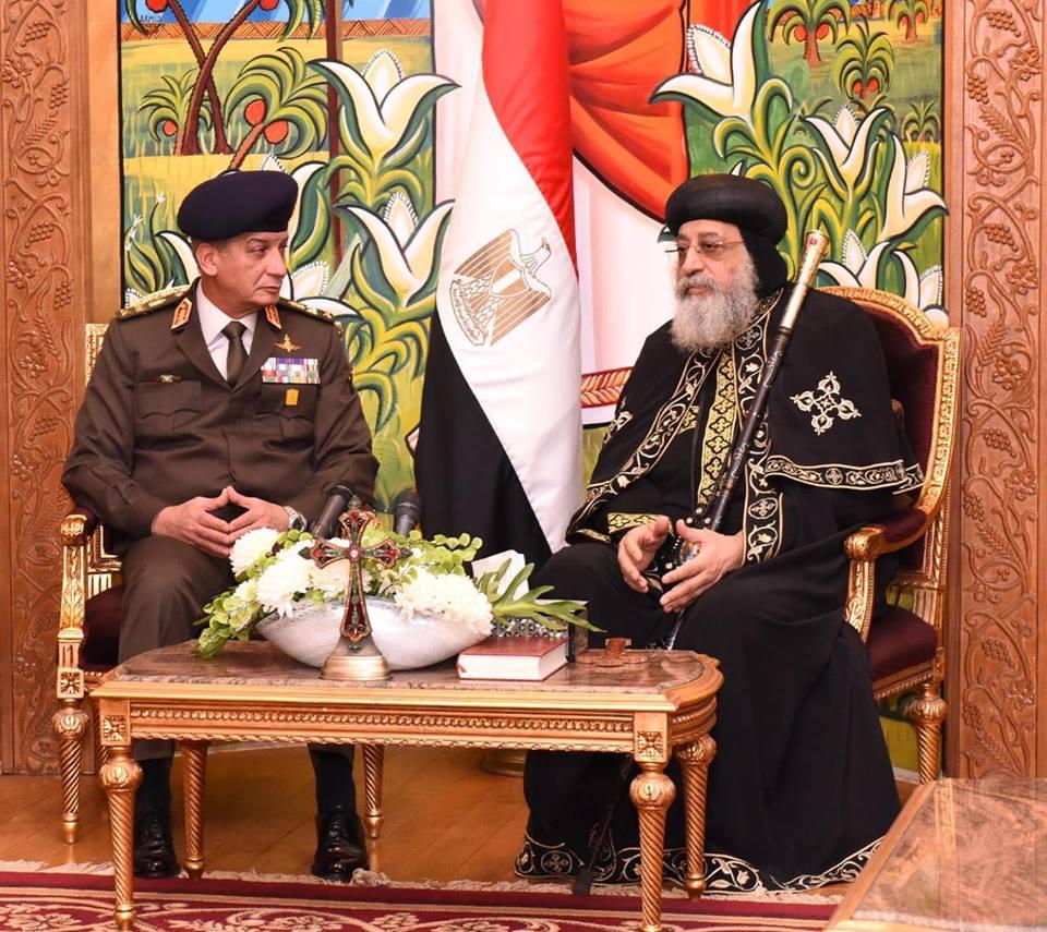 وزير الدفاع: الجيش هو من الشعب.. والبابا: البناء يأخذ وقتًا فهو طوبة فوق طوبة