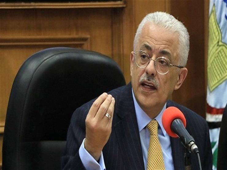 وزير التعليم لمروجي الشائعات: سيبوا العيش لخبازه