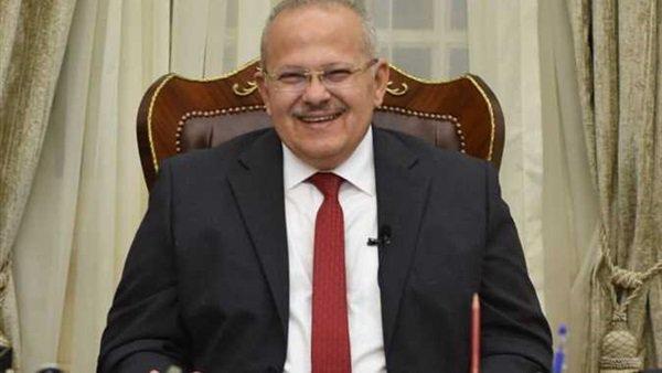 رئيس جامعة القاهرة عن تأجيل الامتحانات: نخلي بالنا من كذبة إبريل