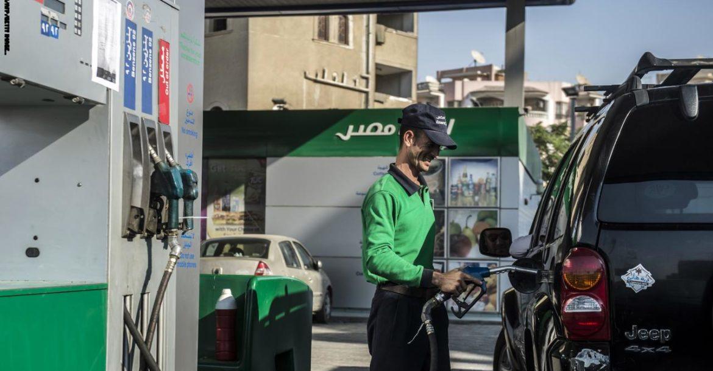 بعد الازدحام الشديد بالمحطات.. البترول تكشف حقيقة زيادة أسعار البنزين