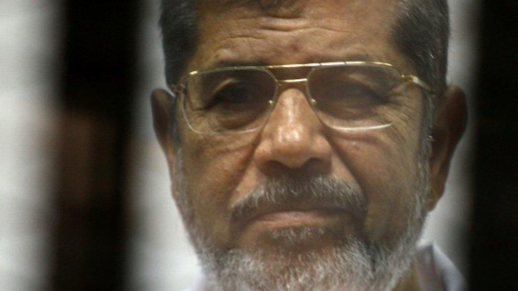 النيابة تُصرح بدفن جثة محمد مرسي عقب انتهاء الطب الشرعى من الكشف عليه